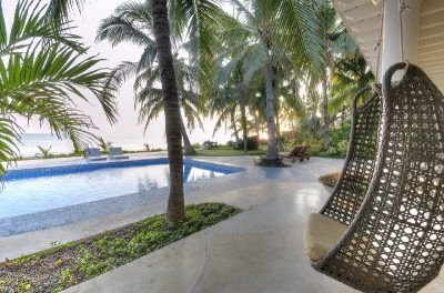 villa-ananda-swing-pool-ocean